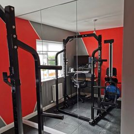 A Beginners Guide to Fitness Centers and Home Gym Mirrors - YEG Fitness